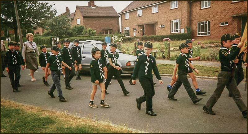 Cubs on parade on Hoe View Road in 1989
