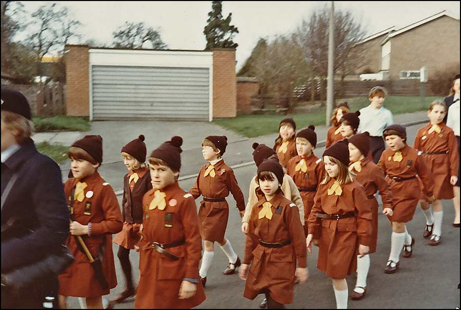 Brownies march down Hoe View Road 1983